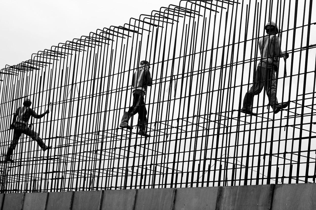 החוקים החלים על חברות עבודות בטון