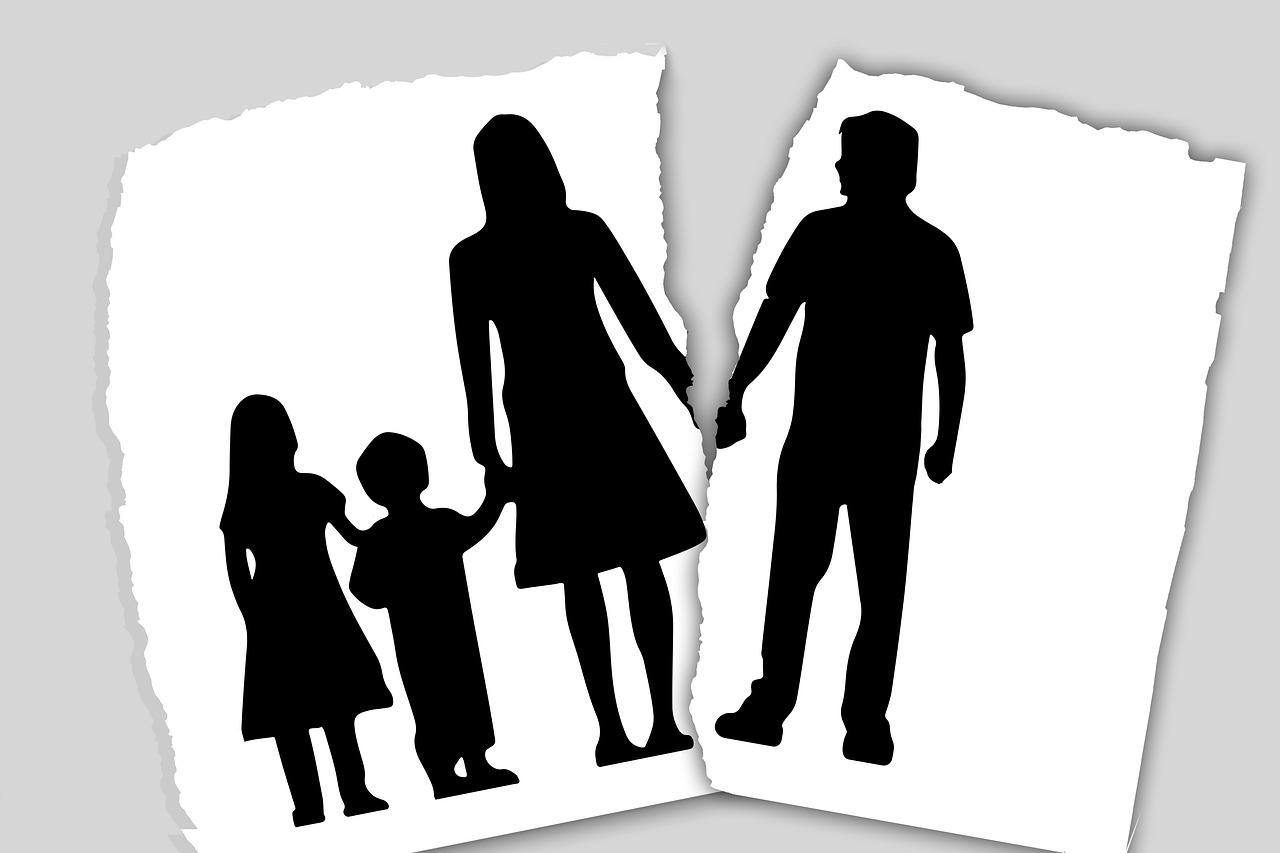 מה ההבדל בין גירושין עם ילדים ולגירושין בלי?