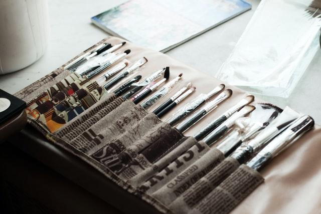 כלים לציור מקצועי - תמונה להמחשה